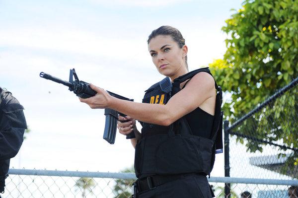 File:1x06-PaigeGun.jpg