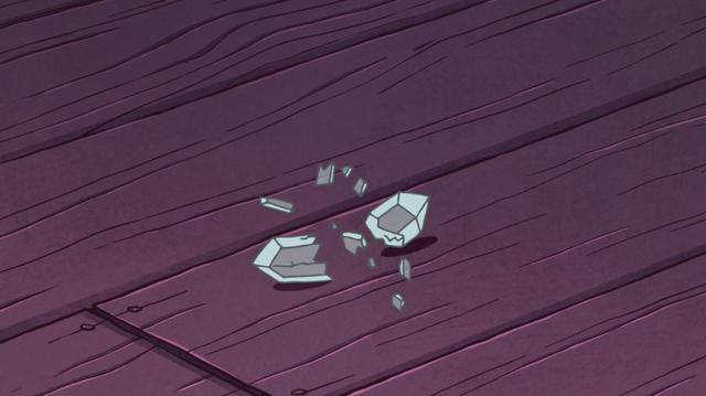 File:S1e11 crystal broke.png