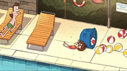 S1E15 Mabel falls on to the balls