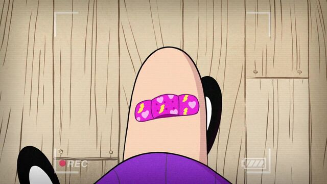 File:Short2 Mabel's band-aid.jpg
