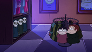 S1e12 Candy Chiu and Grenda hiding