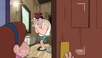 Short9 stan singing in bathroom.png