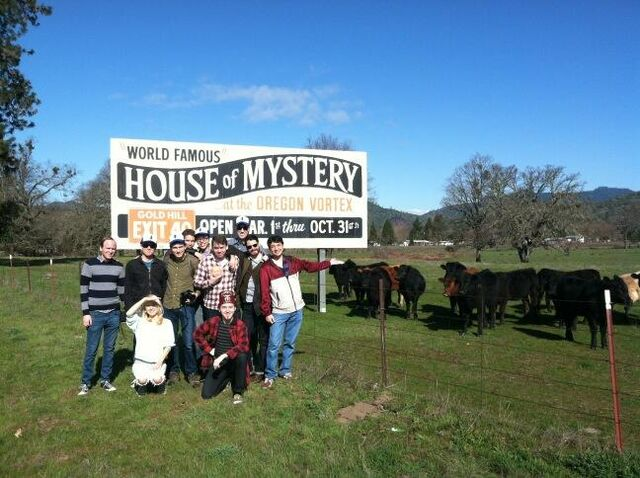 File:Mystery Tour 2013 House of Mystery.jpg