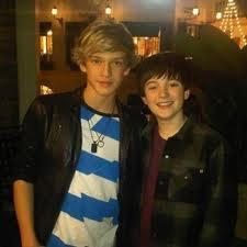 File:Cody simpson and greyson chance.jpg