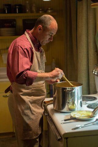 File:211 - Kreski cooking.jpg