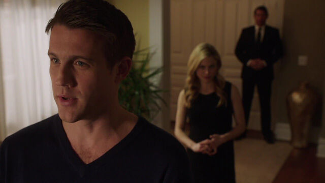 File:419-Kenneth talks with Adalind.jpg