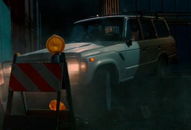 File:301-The car stuck in a hole.png