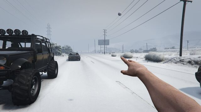 File:SnowBall-GTAO-Throwing.jpg