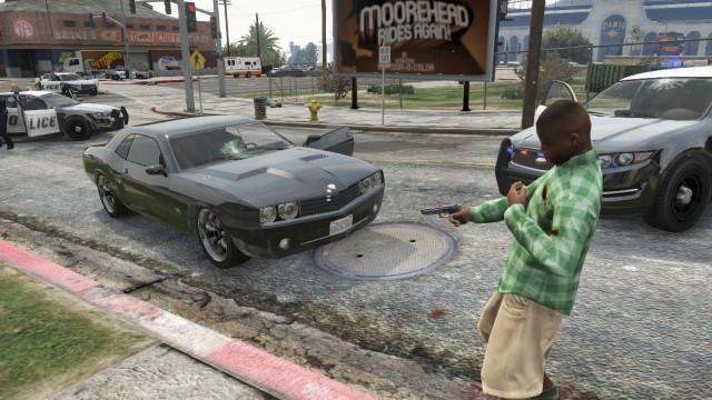 File:Shootout between bandits and Police.jpg