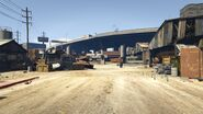 RogersSalvageAndScrap-GTAV-Entrance