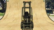 Forklift-GTAV-Front