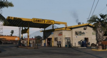 File:Sandysgas.jpg