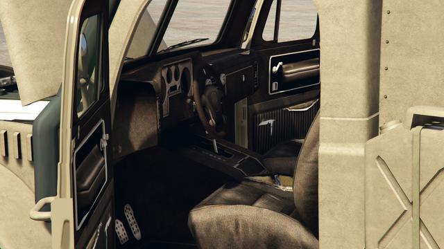 File:Halftrack-GTAO-Inside.png