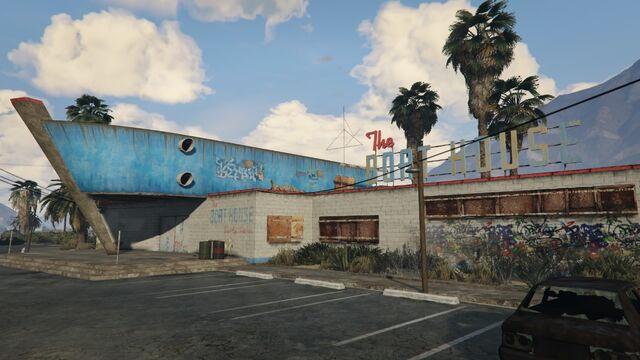 File:The Boat House GTAV Front.jpg