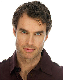 File:Murray Bartlett.png