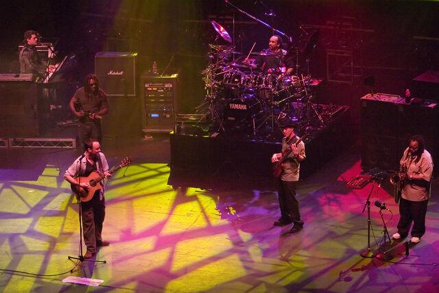 File:Dave Matthews Band - Band Shot Melbourne 2005.jpg