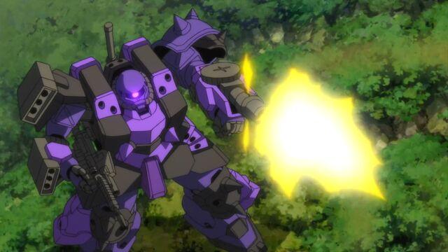 File:Super-custom-zaku-f2000-voltec z-machine-gun.jpg