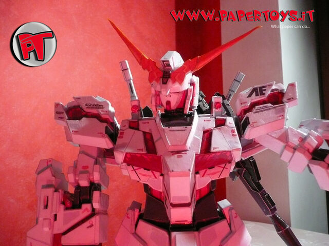 File:Papertoys paper model gundam unicorn rx0 gun bazooka shield completed 50G.jpg