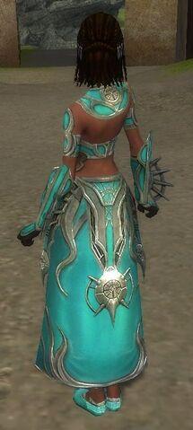 File:Melonni Armor Primeval Back.jpg