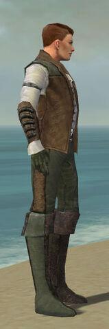 File:Mesmer Enchanter Armor M gray side.jpg