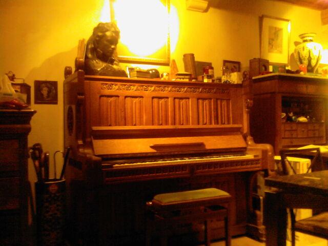 File:Piano verdecandijas jor.jpg