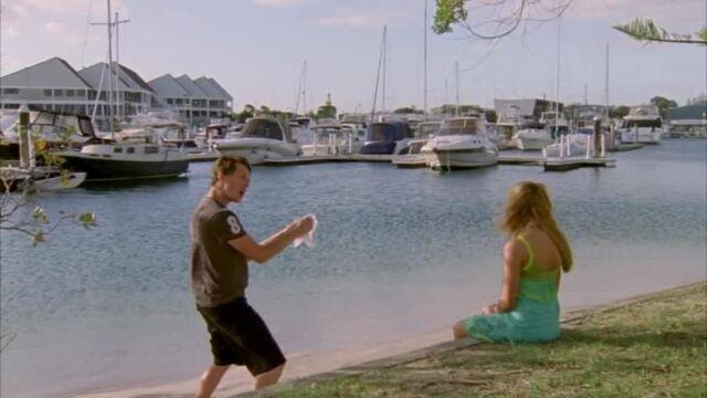 File:Nate Singing To Bella.jpg