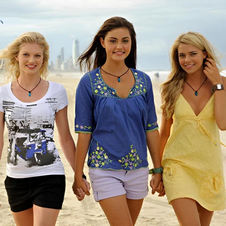 File:Rikki-cleo-bella-on-the-beach-h2o-just-add-water-8577051-229-167.jpg