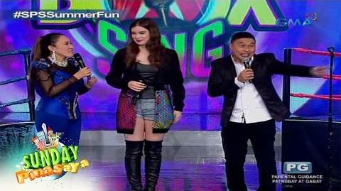Sunday PinaSaya Hailee Steinfeld is in the house!