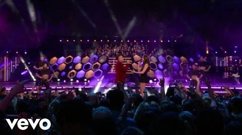Hailee Steinfeld, Shawn Hook - Sound Of Your Heart Rock Bottom (Live From The MMVAs)
