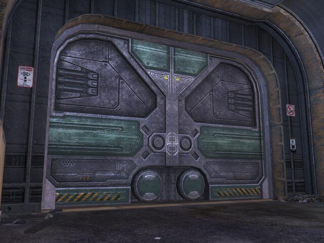 File:Industrial door.jpg