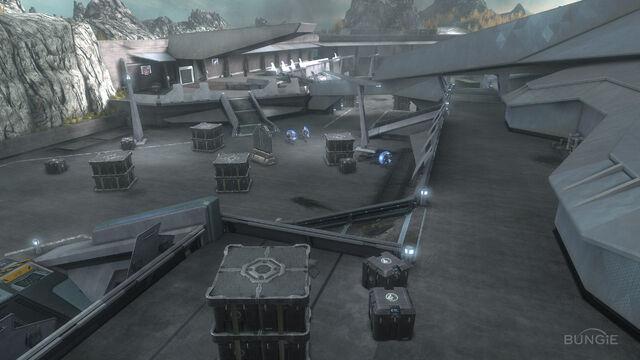 File:Reach FF Courtyard02.jpg