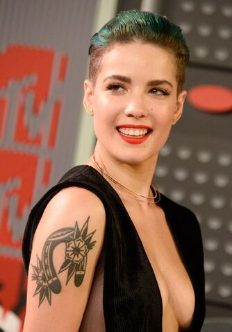 File:Halsey-2015-mtv-video-music-awards-at-microsoft-theater-in-los-angeles 1 thumbnail.jpg