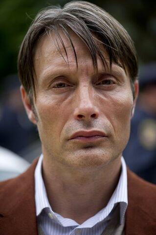 File:1x01 HannibalProfile.jpg