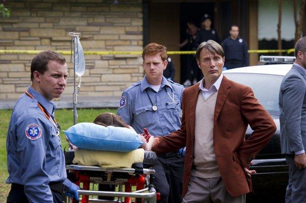 File:1x01 HannibalAtTheCrimeScene.jpg