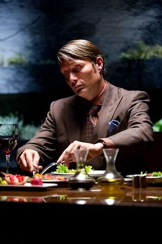 File:1x01 HannibalEating.jpg