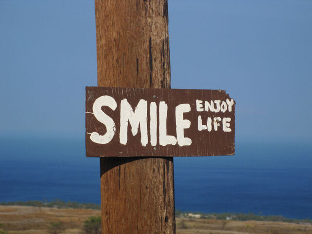 File:Smile-enjoy-life-002.jpg
