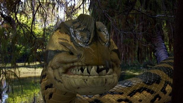File:Movies piranhaconda still 2.jpg