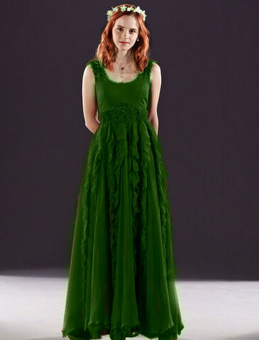 File:Hermione-granger-in-red-dress-from-the-wedding-in-harry-potter-7-hermione-granger-20760925-564-740 .jpg