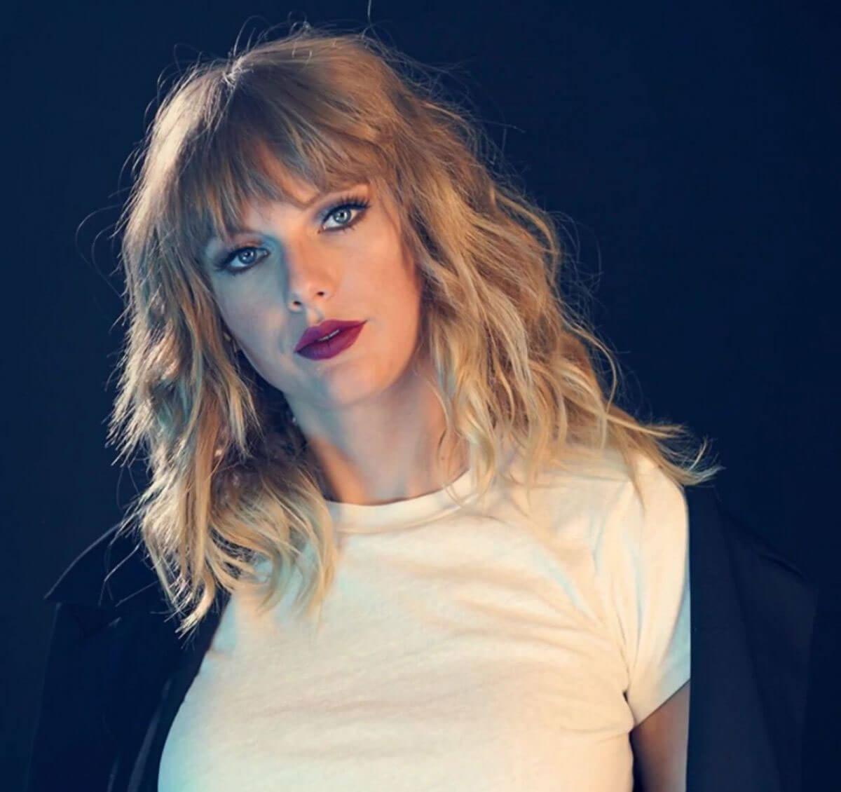 File:Taylor.jpg