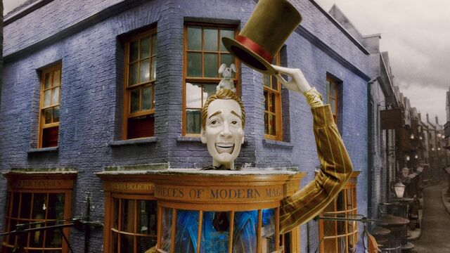 File:Weasleys Wizards Wheezes shop.JPG
