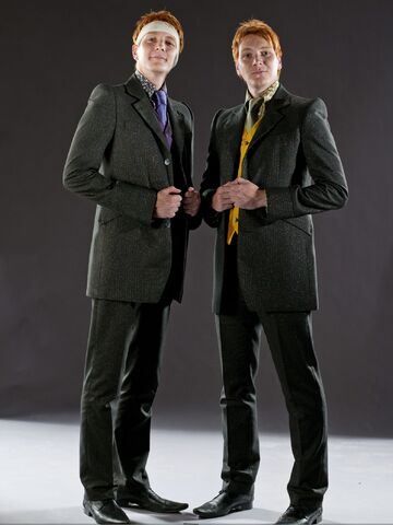 File:DH1 The Weasley twins in their wedding dress 01.jpg
