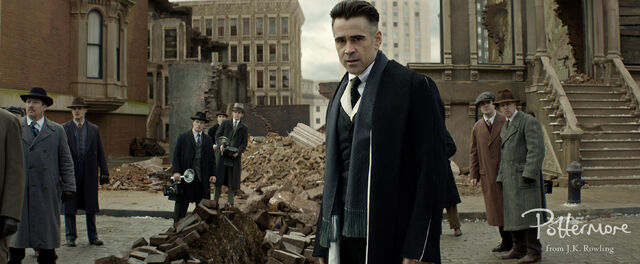 File:Graves on street Fantastic Beasts CC Trailer WM.JPG