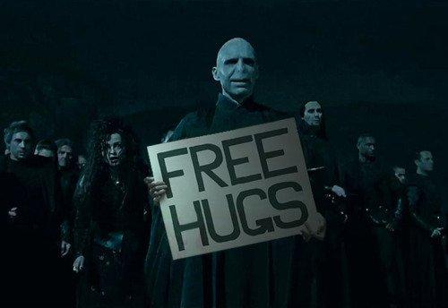 File:Free Hugs.jpg