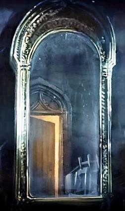 File:MirrorOfErised PM B1C12M3 HarryInFrontOfTheMirrorOfErised Moment.jpg