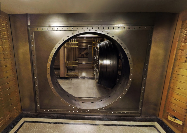 File:SteenNationalBank Vault.png