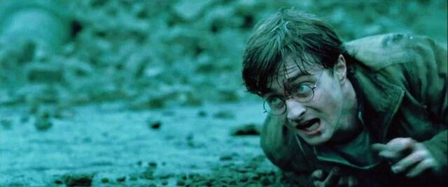 File:DH2 Harry Potter crawling during the Battle of Hogwarts.jpg