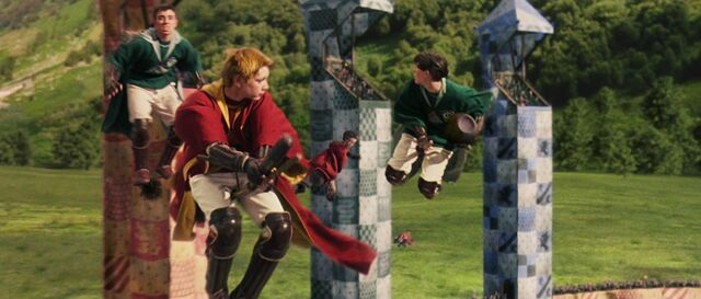 File:Fred George Quidditch.jpg
