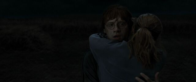 File:Ron Hermione hug.jpg