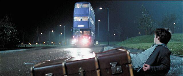 File:Harry-potter4-knight bus.jpg