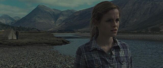 File:Hermione during Horcrux Hunt.jpg